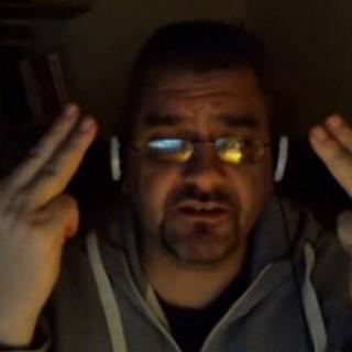 afaab fait un double double doigt